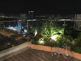 Luxury 3 Bedroom Mini Penthouse With Private Skygarden photos Exterior