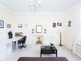 Impressive 2 Bed Apartment In Central Hove photos Exterior