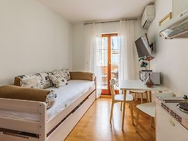 Stunning Apartment In Pula W/ Wifi And 1 Bedrooms photos Exterior