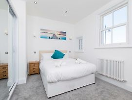 Marina Vista - Luxury Seafront Apartments photos Exterior