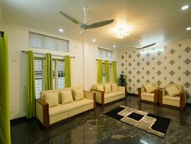 Modish 1Br Stay In Kakkanad photos Exterior