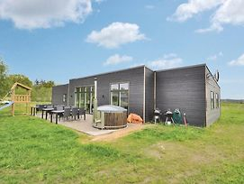 Seven Bedroom Holiday Home In Glesborg photos Exterior