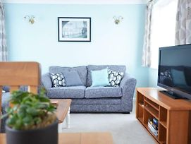 Beautiful Beach Front & Southsea Common 2 Bed Flat photos Exterior