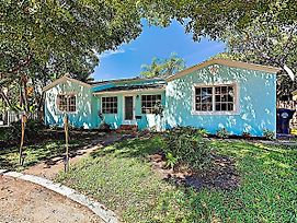 New Listing! Vibrant Getaway Near Intracoastal Home photos Exterior
