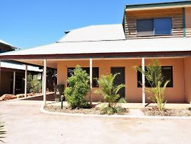 Ningaloo Breeze Villa 2 - 3 Bedroom Fully Self-Contained Holiday Accommodation photos Exterior
