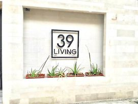 39 Living Bangkok photos Exterior