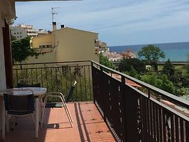House With 4 Rooms In Sant Pol De Mar, With Wonderful Sea View And Furnished Terrace - 400 M From Th photos Exterior