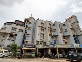 Spot On 43489 Hotel Ujjwala International photos Exterior
