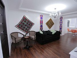 Overlooking Registan Square Luxury 2 Bedrooms Apartment photos Exterior