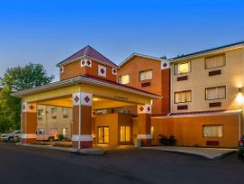Best Western Logan Inn photos Exterior