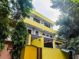Well-Equipped Stay In Rajouri Garden photos Exterior