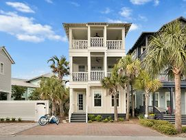 Gulf Views! Beautifully Decorated Coastal Home photos Exterior