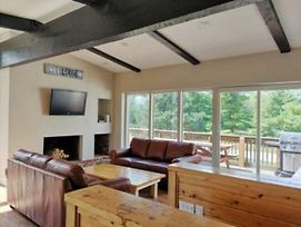 6 Bed Blue Mountain Chalet #8R - Sleeps 16 photos Exterior
