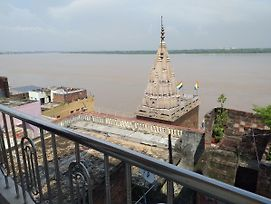 P G On Ganges photos Exterior