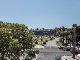 Rent4Rest Estoril Beachfront Apartments photos Exterior