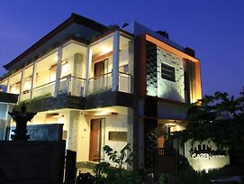 Saren Guest House Bali photos Exterior