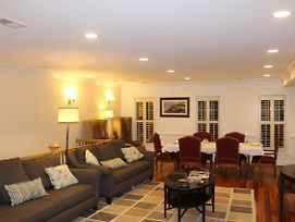 Penthouse Condo - Private Roof Deck & Free Parking photos Exterior