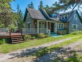 3 Bed 2 Bath Vacation Home In Castine photos Exterior