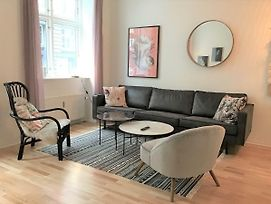 Amazing 3-Bedroom Apartment In The Trendy Area Of Copenhagen Vesterbro photos Exterior