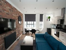 Modern And Spacious 2Br In The Heart Of Whitechapel photos Exterior