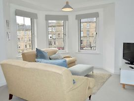 Modern And Central Flat In Roseburn Area photos Exterior