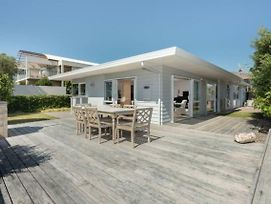 Seaside Beach Retreat - Outdoor Living photos Exterior