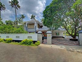 1Br Heritage Home In Kochi photos Exterior