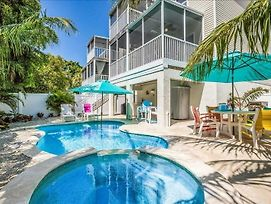 Blue Coconut Bungalow Home photos Exterior