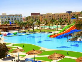 Royal Lagoons Aqua Park Resort - Families And Couples Only photos Exterior