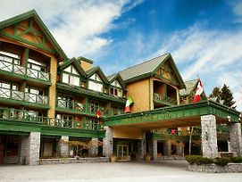 Pinnacle Hotel Whistler photos Exterior