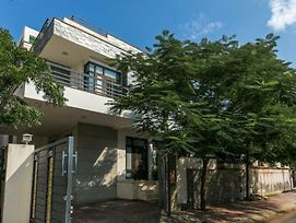 Bungalow By The Station By Vista Rooms photos Exterior