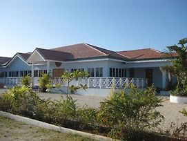 Idlers' Rest Beach Hotel photos Exterior