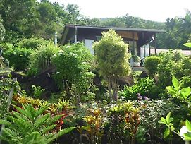 Bungalow With One Bedroom In Pointe-Noire, With Furnished Garden And W photos Exterior
