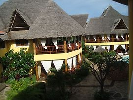 Double Heart Malindi Resort photos Exterior