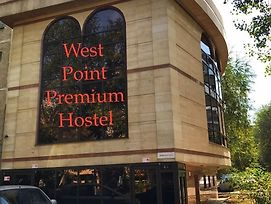 West Point Premium Hostel photos Exterior