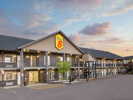 Super 8 By Wyndham Fort Mcmurray photos Exterior