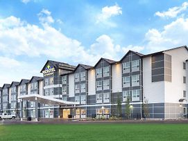 Microtel Inn & Suites By Wyndham Fort Mcmurray photos Exterior