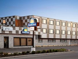 Days Inn By Wyndham Sylvan Lake photos Exterior
