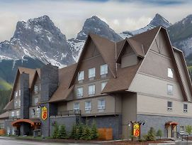 Super 8 By Wyndham Canmore photos Exterior