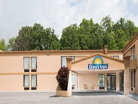 Days Inn By Wyndham Mount Hope photos Exterior