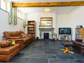 Otter Pool Barn 6 Bedrooms Mobility Adapted photos Exterior
