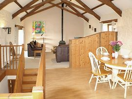 Twinkles, Charming And Spacious Family Cottage In Cornwall With Sunny photos Exterior