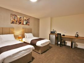 New County Hotel By Roomsbooked photos Room