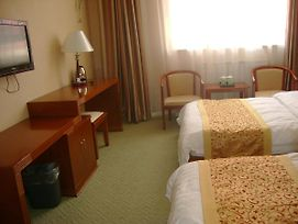 Changshui Airport Hangtong Hotel photos Room