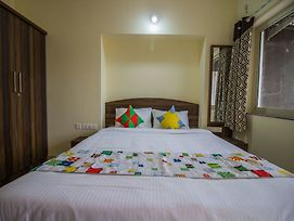 Oyo 13506 Home Vibrant 2Bhk With Pool Anjuna photos Exterior