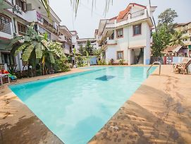 Oyo 12423 Home Pool View 1Bhk Candolim photos Exterior