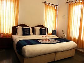 Oyo Rooms Behind Nikhil Wines Calangute photos Exterior
