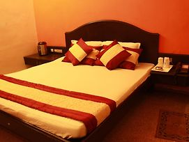 Budget Hotel By Mount Abu Holidays photos Exterior