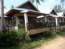1 Bedroom Villa In Beachfront Res Phangka P photos Exterior
