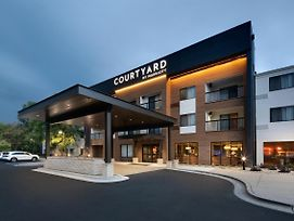 Courtyard By Marriott Grand Rapids Airport photos Exterior